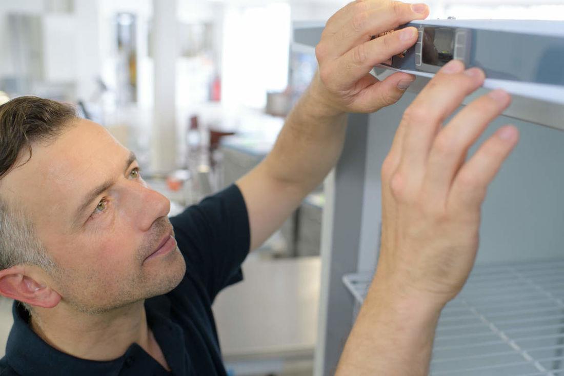 fridge repair man